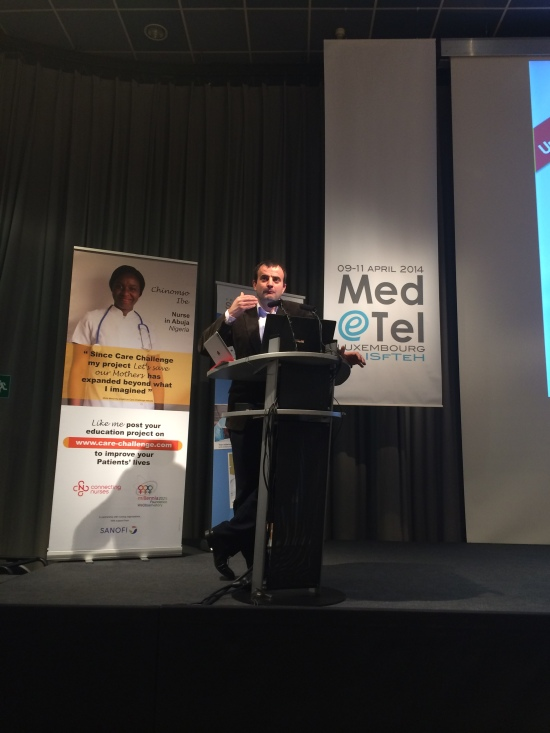 Dr. Jordi Serrano Pons presenting UniversalDoctor